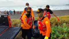 Tim SAR Gabungan berhasil temukan satu korban tenggelam di Pantai Sumberjati